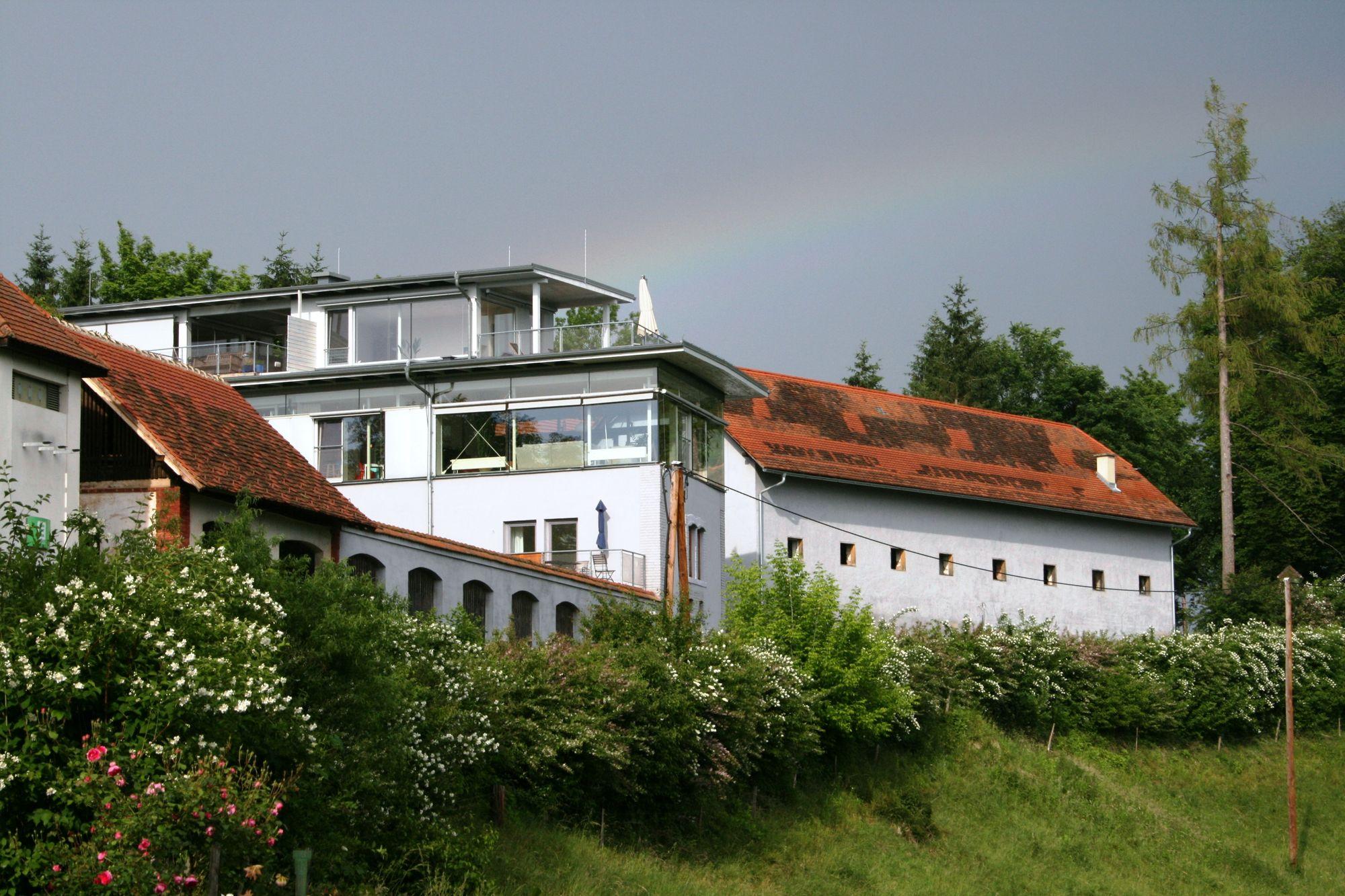 Gutshof Hornegg Traditionshaus Am Heimischen Fischsektor
