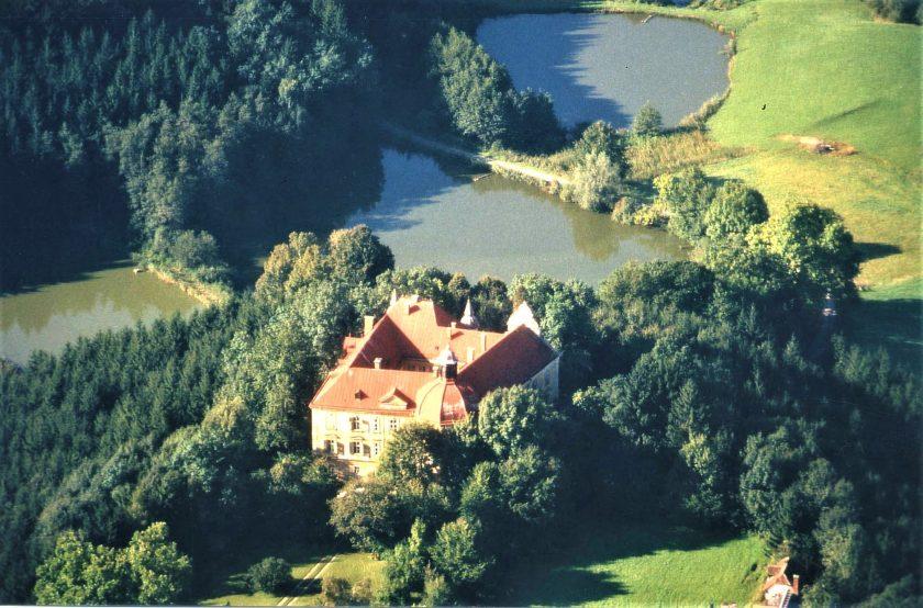 Schloss Hornegg zwischen den Teichen