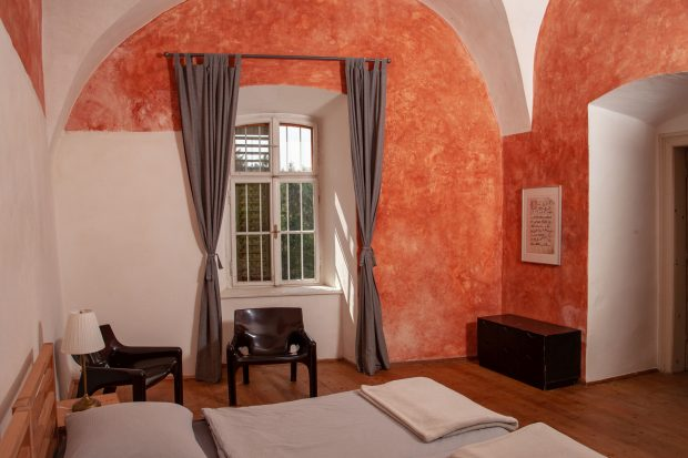 Ferien im Baudenkmal Schloss Hornegg Südsteiermark Schlafzimmer
